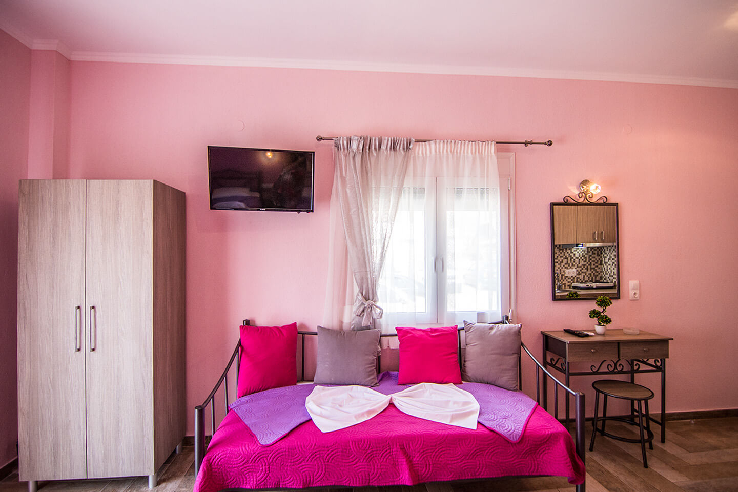 Christodoulos Eleftheria House Room 001 - Nea Vrasna - Rent Rooms - Apartments - Hotel