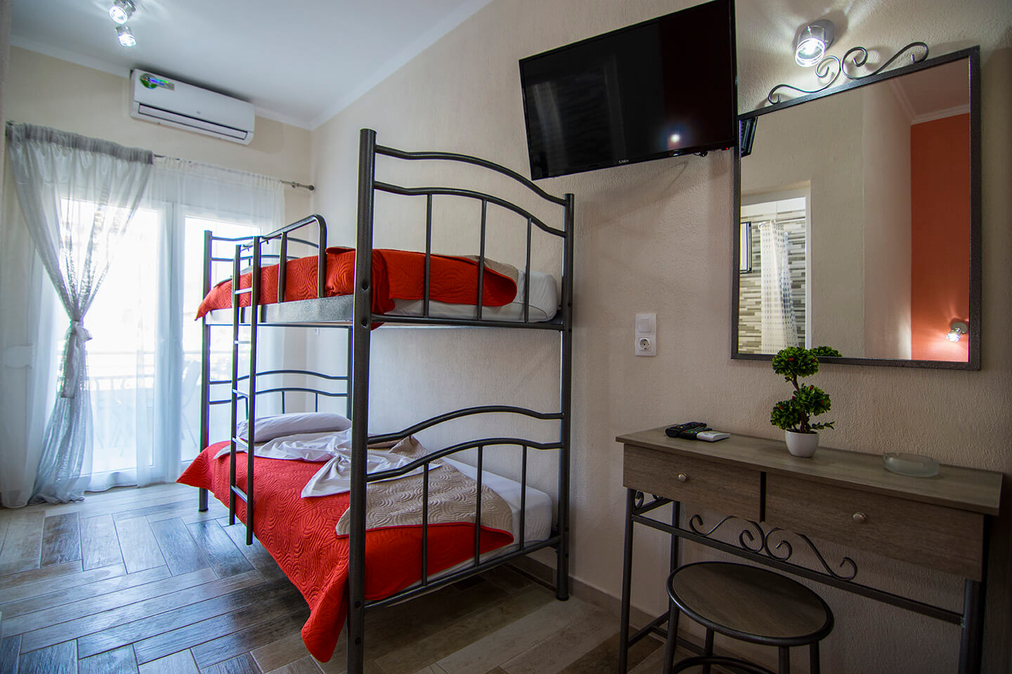 Christodoulos Eleftheria House Room 007 - Nea Vrasna - Rent Rooms - Apartments - Hotel